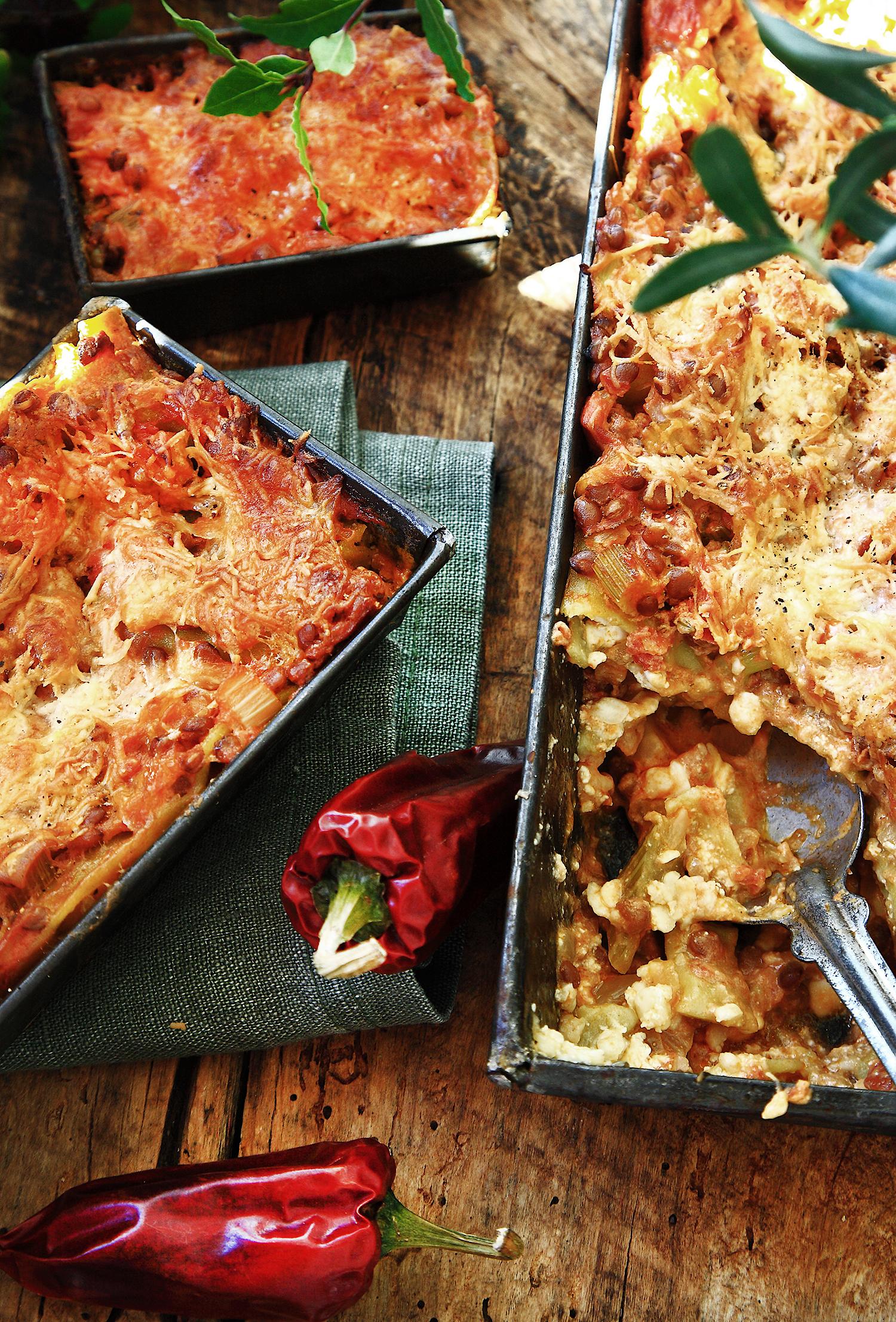 Vegetarisk lasagne gröna linser
